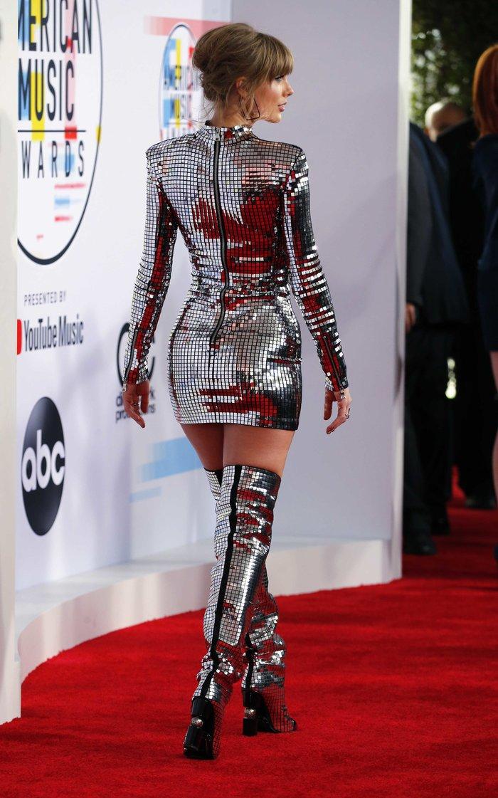 American Music Awards 2018: Η βραδιά της Τέιλορ Σουίφτ {εικόνες} - εικόνα 2