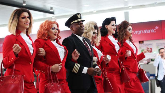Pride Flight: Η πρώτη πτήση με ΛΟΑΤΚΙ πλήρωμα είναι γεγονός (βίντεο)