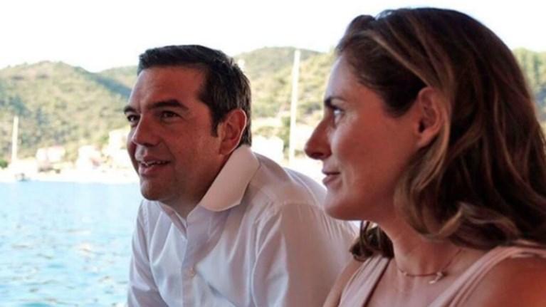 i-fwtografia-me-tin-mpetu-pou-anebase-o-tsipras-sto-instagram