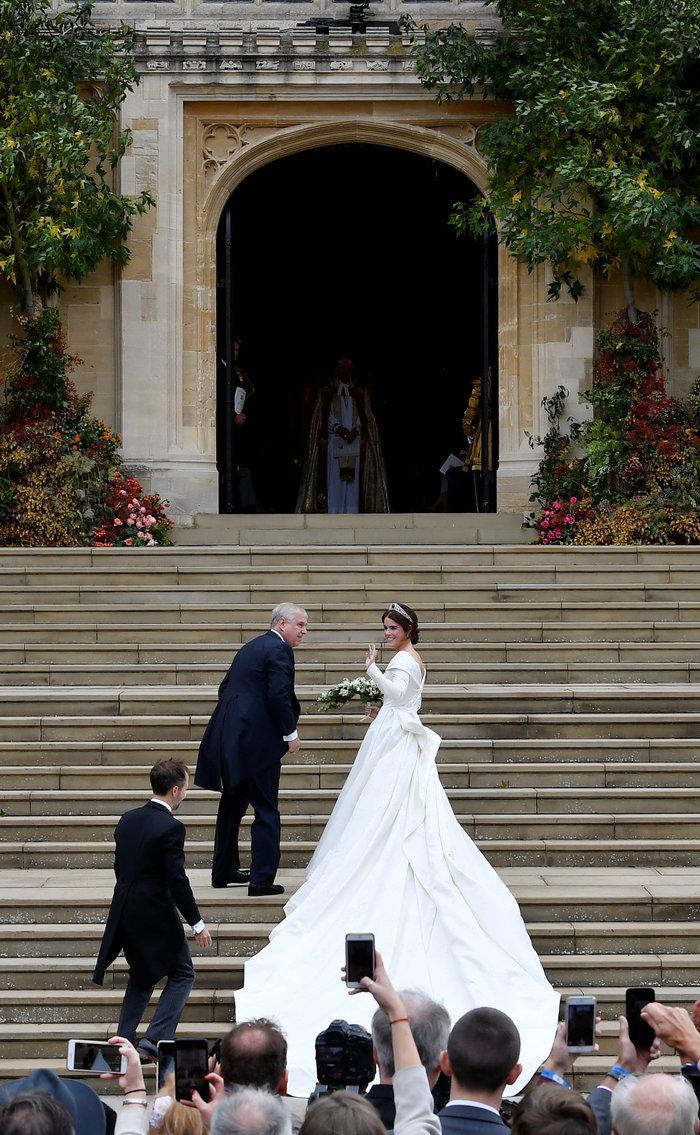 O βασιλικός γάμος της πριγκίπισσας Ευγενίας στο Κάστρο Γουίνσδορ - εικόνα 2