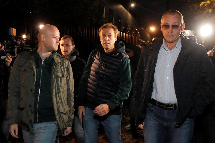 Αποφυλακίστηκε ο Ρώσος αντιφρονών Αλεξέι Ναβάλνι [Εικόνες] - εικόνα 3
