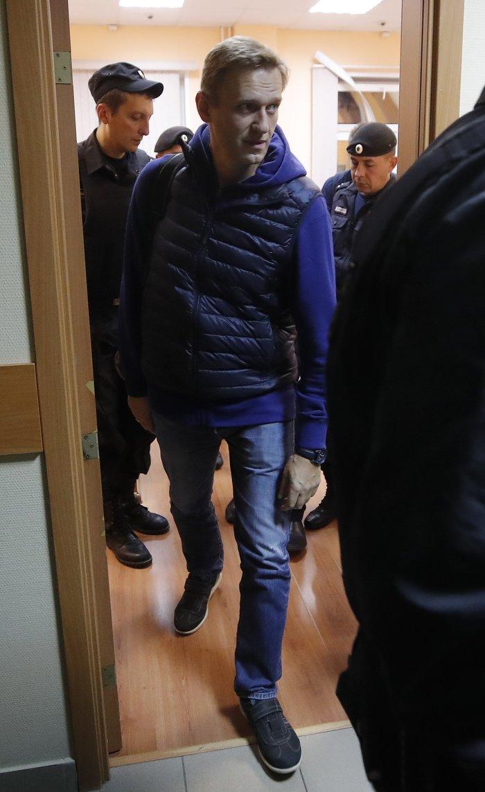 Αποφυλακίστηκε ο Ρώσος αντιφρονών Αλεξέι Ναβάλνι [Εικόνες] - εικόνα 4