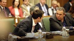 tsipras-se-kammeno-desmeusou-oti-den-tha-rikseis-tin-kubernisi