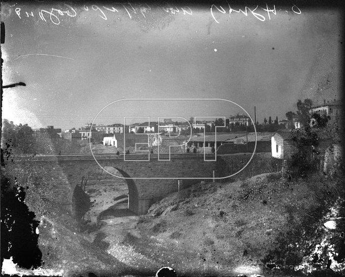 Η γέφυρα του Ιλισού στη θέση του σημερινού Εθνικού Ιδρύματος Ερευνών, το 1938