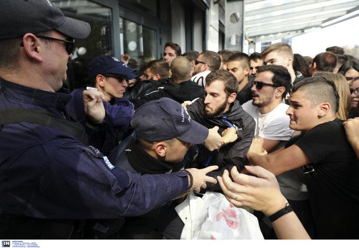 Πορεία μαθητών στο υπουργείο - μπήκαν στο γραφείο Γαβρόγλου - εικόνα 5