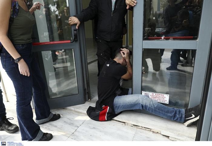 Πορεία μαθητών στο υπουργείο - μπήκαν στο γραφείο Γαβρόγλου - εικόνα 6
