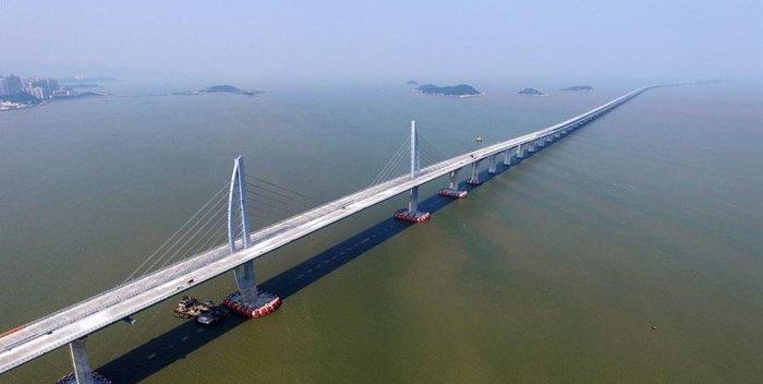 Κίνα: Παραδίδεται την Τετάρτη η μακρύτερη θαλάσσια γέφυρα του κόσμου - εικόνα 2