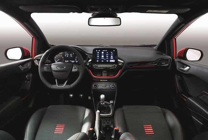 Βάλτε χρώμα στη ζωή σας: Ford Fiesta ST-Line Red και Black Edition - εικόνα 3
