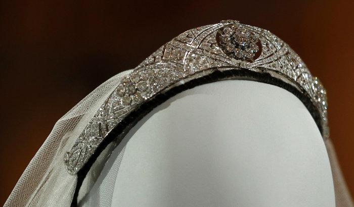H έκθεση με τα γαμήλια ρούχα Χάρι και Μέγκαν σχεδόν sold-out - εικόνα 5
