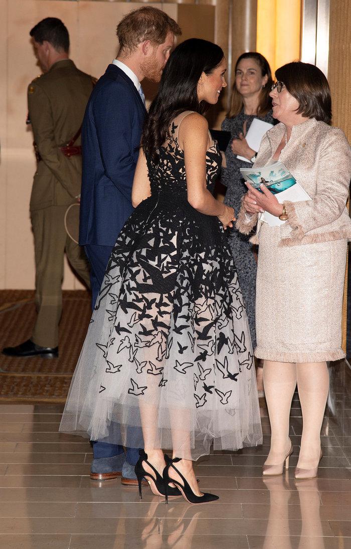 Μέγκαν Μαρκλ: Η μάλλον αποτυχημένη προσπάθειά της να ντυθεί πριγκίπισσα - εικόνα 2