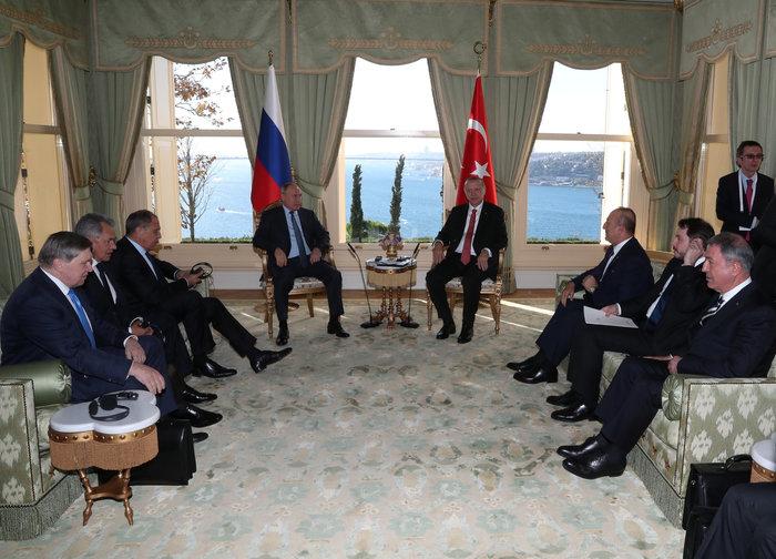 Συνάντηση Πούτιν - Μέρκελ πριν από την τετραμερή διάσκεψη για τη Συρία