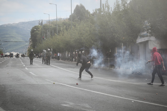 Ένταση και επεισόδια στο μαθητικό συλαλλητήριο στην Αθήνα - εικόνα 3
