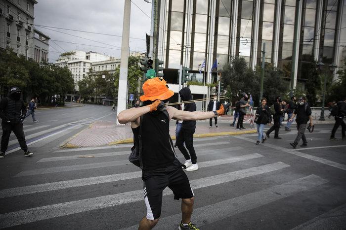 Ένταση και επεισόδια στο μαθητικό συλαλλητήριο στην Αθήνα - εικόνα 5