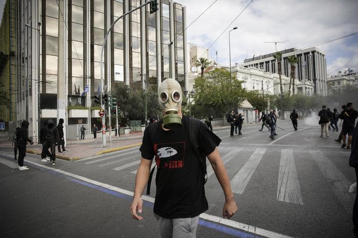 Ένταση και επεισόδια στο μαθητικό συλαλλητήριο στην Αθήνα - εικόνα 6