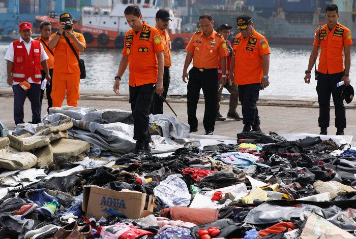 Αεροπορική τραγωδία στην Ινδονησία: Αναζητούν τα μαύρα κουτιά του Boeing