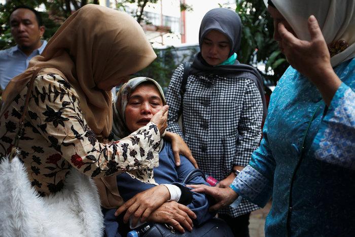 Αεροπορική τραγωδία στην Ινδονησία: Αναζητούν τα μαύρα κουτιά του Boeing - εικόνα 9