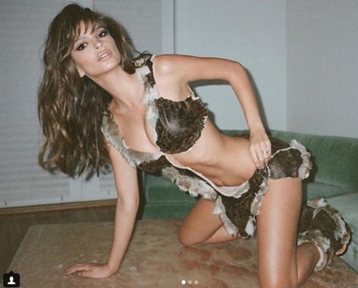 Η Έμιλι Ρατακόφσκι μεταμορφώνεται στο απόλυτο είδωλό της - εικόνα 2