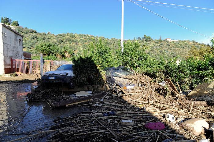 Πλημμύρες στην Σικελία: Πνίγηκε 9μελής οικογένεια από τα ορμητικά νερά