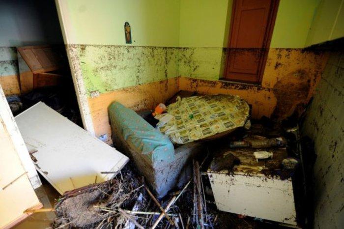 Τραγωδία στη Σικελία: Σπίτι έγινε υγρός τάφος για εννιαμελή οικογένεια