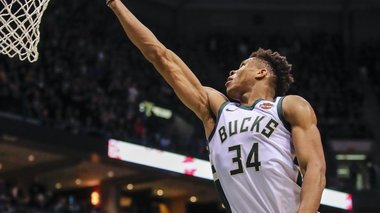 astamatitos-giannis-me-2o-triple-double-binteo