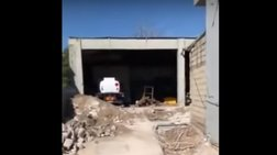 Ελευσίνα: Με... μπουλντόζα η έφοδος του ΣΔΟΕ στο βενζινάδικο [βίντεο]