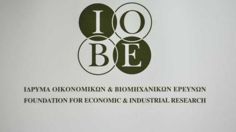 iobe-epideinwsi-tou-oikonomikou-klimatos-sti-biomixania-ton-oktwbrio