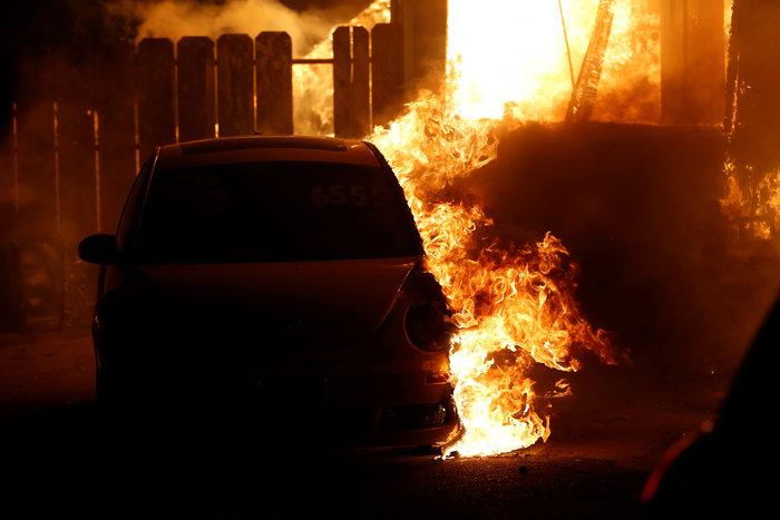 Πέντε νεκροί στην πυρκαγιά που κατακαίει τη βόρεια Καλιφόρνια