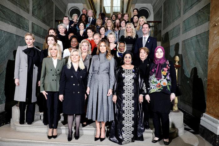 Οι σύζυγοι των ηγετών γευμάτισαν με την Μπριζίτ στα Ανάκτορα των Βερσαλλιών