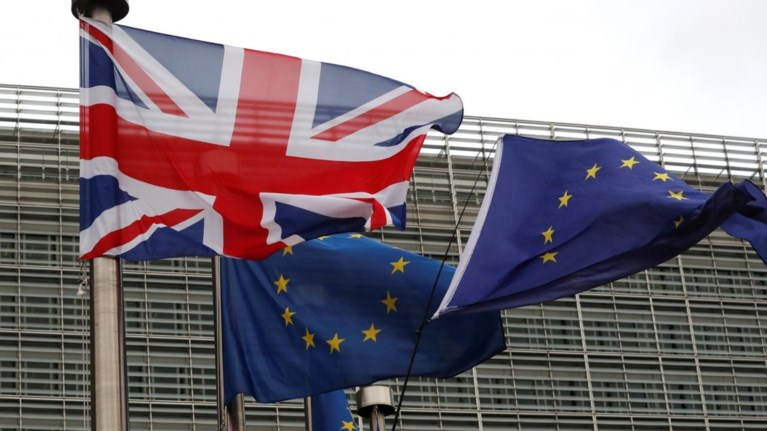 i-mei-perase-to-sxedio-brexit-apo-to-upourgiko-epomeno-empodio-i-bouli