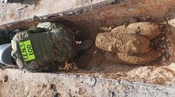 Επτά βόμβες θαμμένες σε δρόμο αναστάτωσαν το Ίλιον