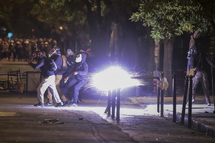Πεδίο «μάχης» και πάλι το Πολυτεχνείο-Δεκαεννέα συλλήψεις - εικόνα 5