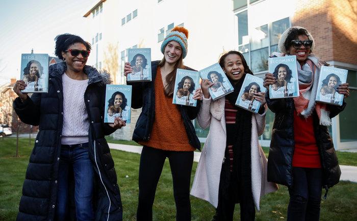 Φρενίτιδα και ρεκόρ πωλήσεων για το βιβλίο της Μισέλ Ομπάμα - εικόνα 3