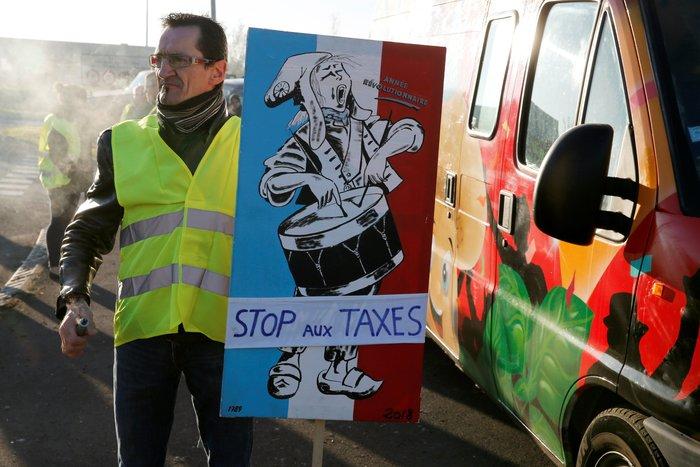 Γαλλία: Ποιος κρύβεται πίσω από τα «κίτρινα γιλέκα»; - εικόνα 2