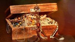 Άραβας άφησε κασελάκι με κοσμήματα σε πασίγνωστη Ελληνίδα τραγουδίστρια