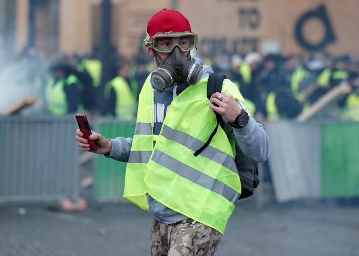 «Κίτρινα γιλέκα» κατά Μακρόν - Πεδίο μάχης το Παρίσι - εικόνα 5