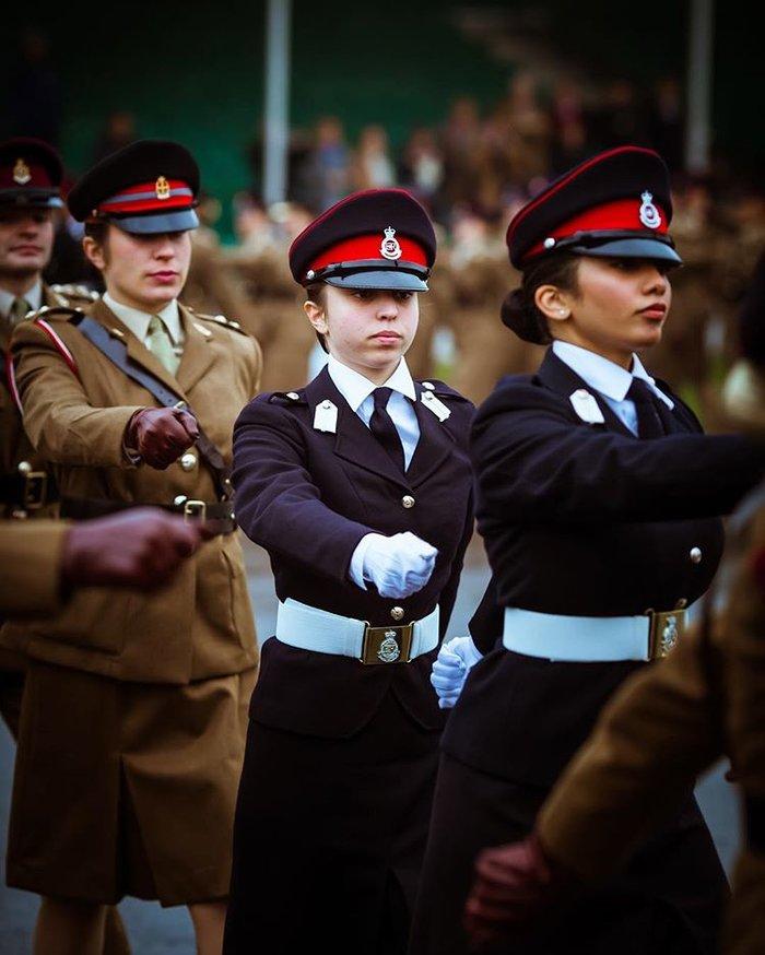 Η περήφανη βασίλισσα Ράνια έχει κόρη... στρατιωτικό και με πτυχίο