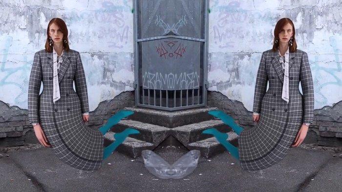 Πρόσωπα βουλιάζουν, σώματα λυγίζουν: διχάζει η καμπάνια του Balenciaga - εικόνα 4