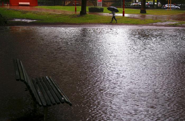 """""""Πνίγηκε"""" το Σίδνεϊ από τη βροχή - Σπίτια χωρίς ρεύμα (βίντεο & φωτό)"""