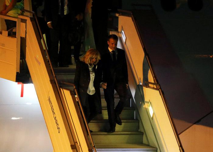 """Στο Μπουένος Άιρες, τον Εμανουέλ Μακρόν υποδέχθηκαν... """"κίτρινα γιλέκα"""" - εικόνα 2"""