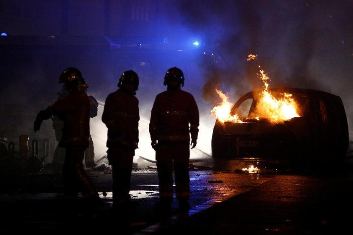 """""""Κίτρινα γιλέκα"""": Πεδίο μάχης το Παρίσι - Ένταση & συγκρούσεις"""