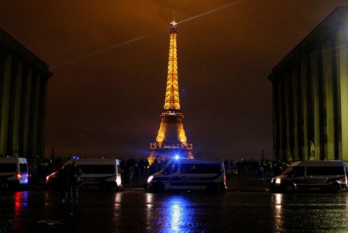 """""""Κίτρινα γιλέκα"""": Πεδίο μάχης το Παρίσι - Ένταση & συγκρούσεις - εικόνα 5"""