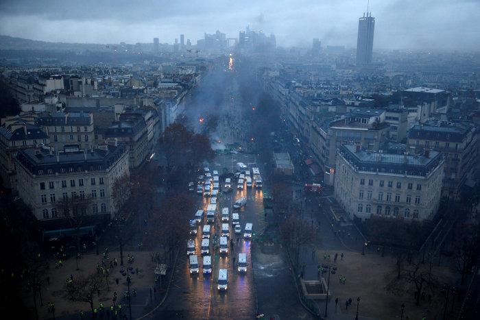 """""""Κίτρινα γιλέκα"""": Πεδίο μάχης το Παρίσι - Ένταση & συγκρούσεις - εικόνα 6"""