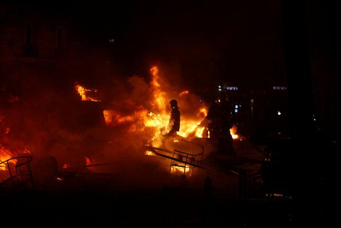 """""""Κίτρινα γιλέκα"""": Πεδίο μάχης το Παρίσι - Ένταση & συγκρούσεις - εικόνα 9"""