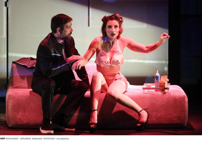 Ευδοκία Ρουμελιώτη: Η εντελώς ανατρεπτική και σέξι εμφάνιση στο θέατρο