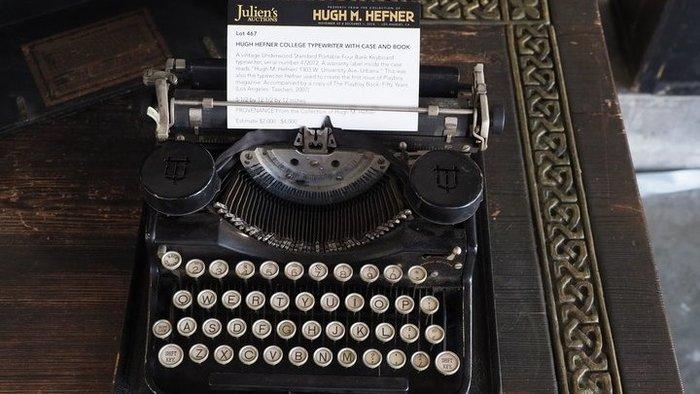 Τιμή ρεκόρ για τη γραφομηχανή του Χιου Χέφνερ