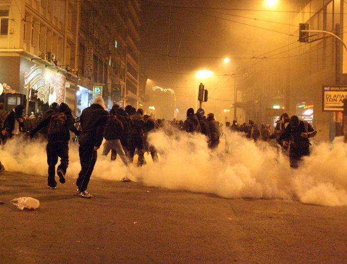 Δολοφονία Γρηγορόπουλου: Οι ημέρες που συγκλόνισαν την Ελλάδα - εικόνα 3