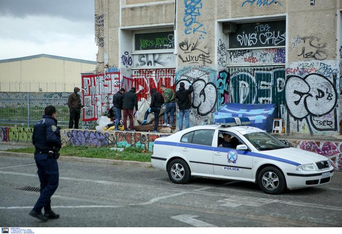 Αγγλος άστεγος ο νεκρός στον σταθμό του ΗΣΑΠ στο Θησείο (φωτο)