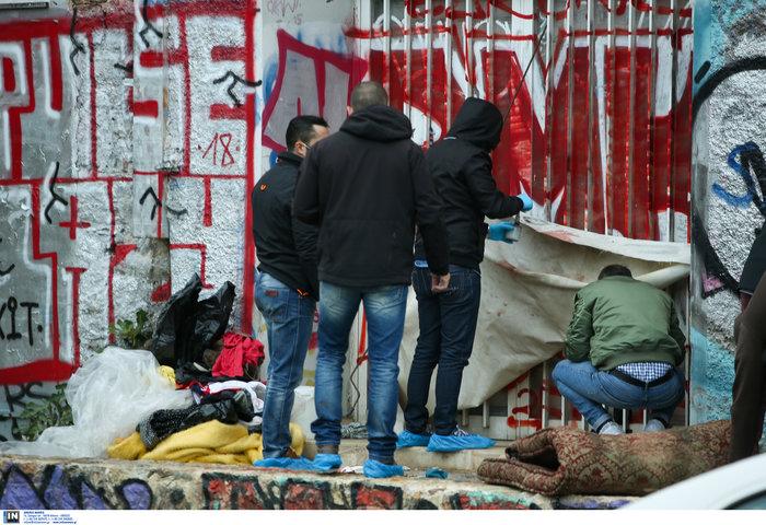 Αγγλος άστεγος ο νεκρός στον σταθμό του ΗΣΑΠ στο Θησείο (φωτο) - εικόνα 2
