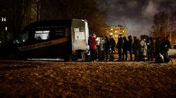 Σεφ φτιάχνουν σούπα για να ζεστάνουν τους άστεγους της Αγίας Πετρούπολης