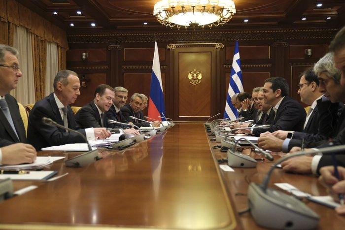Σε εξέλιξη συνάντηση Τσίπρα - Μεντβέντεφ στην Μόσχα - εικόνα 5
